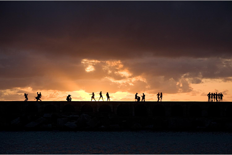 Baile a la puesta de sol en Tazacorte, por Ignacio Iglesias