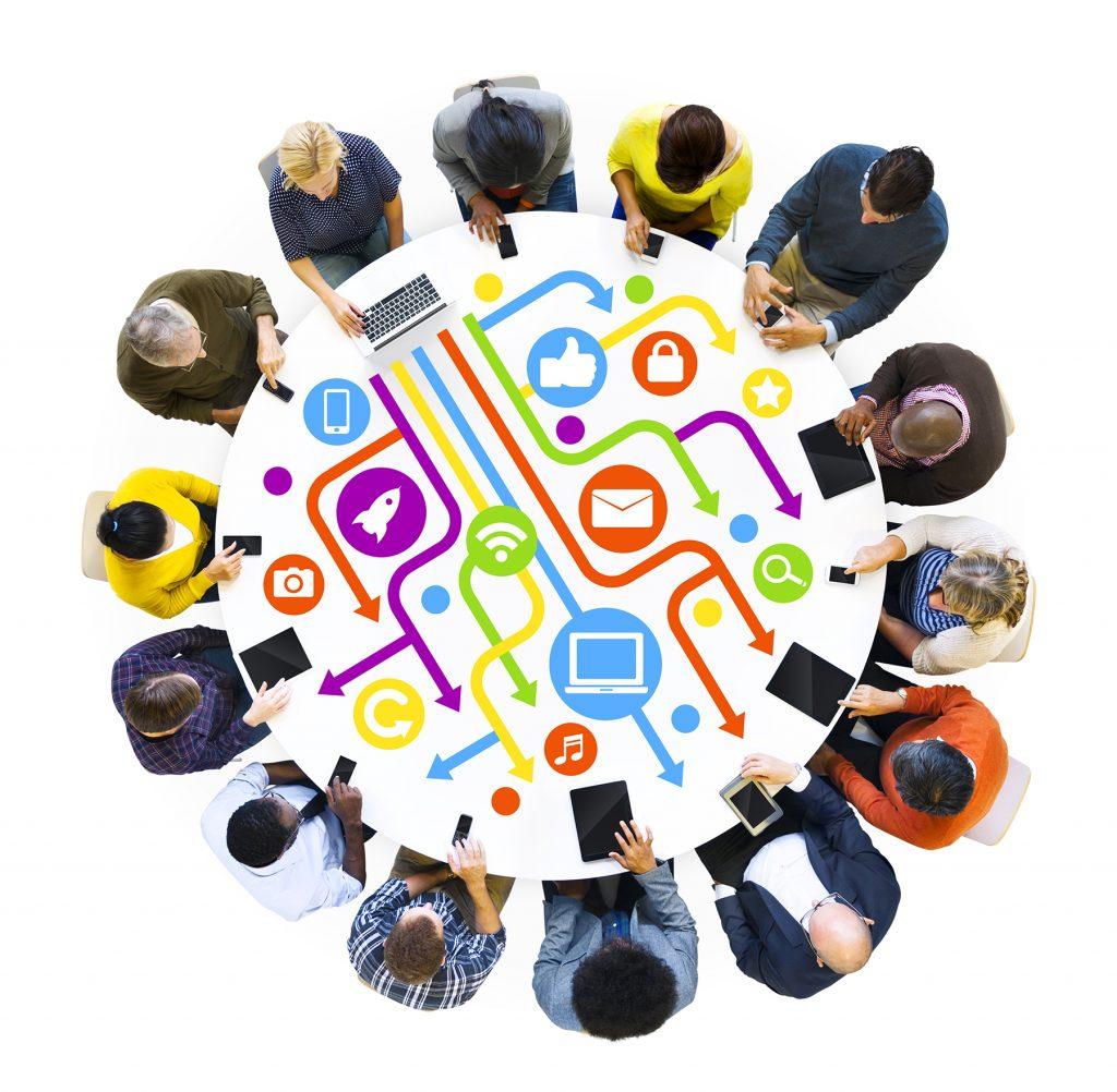 Mesa redonda de trabajo online interactivo